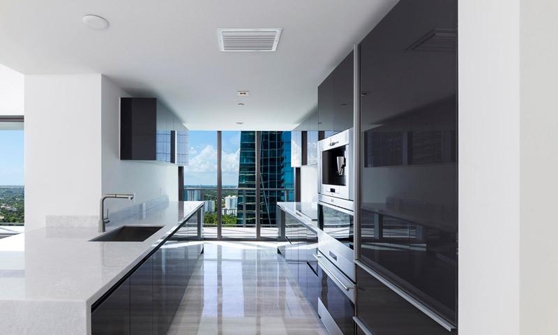 12-Echo-Brickell-Kitchen