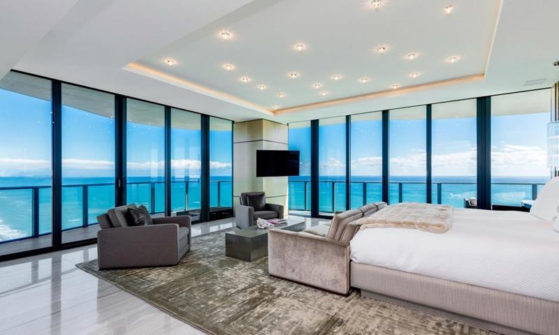 09-Regalia-Bedroom