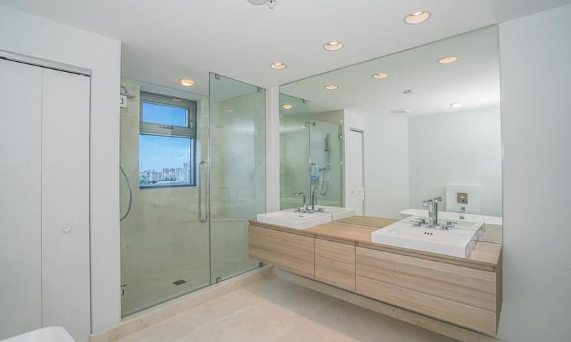 10-Marina-Palms-Bathroom
