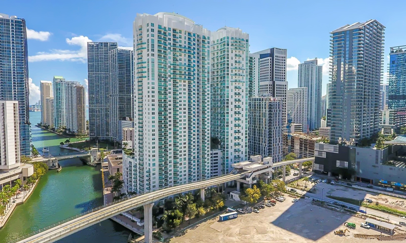 02-Brickell-on-the-River-towers