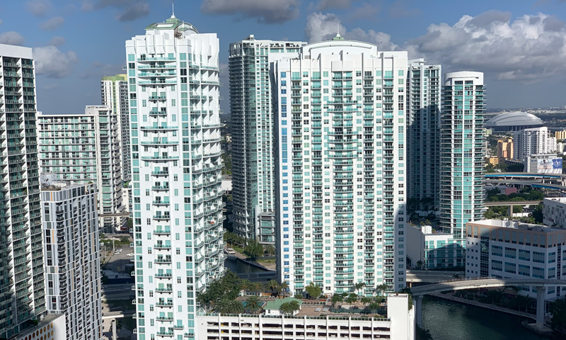 03-Brickell-on-the-River-towers