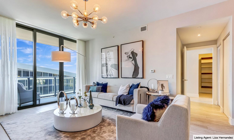 11-Aventura-Park-Square-Living-Room-2019