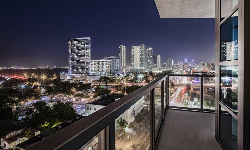 24-Quadro-Balcony