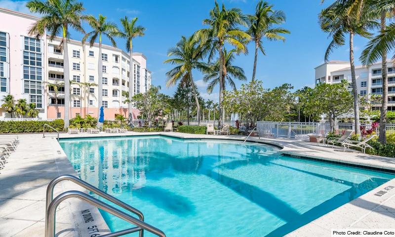 05-Ocean-Club-Lake-Villas-Pool