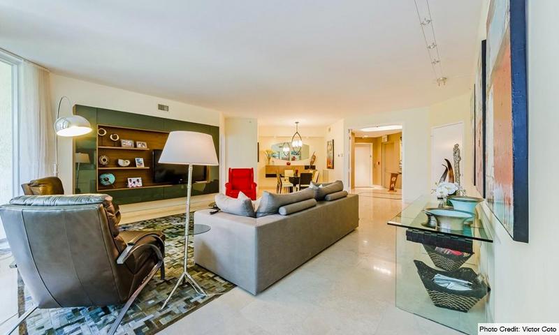 09-Ocean-Club-Lake-Villas-Living-Room
