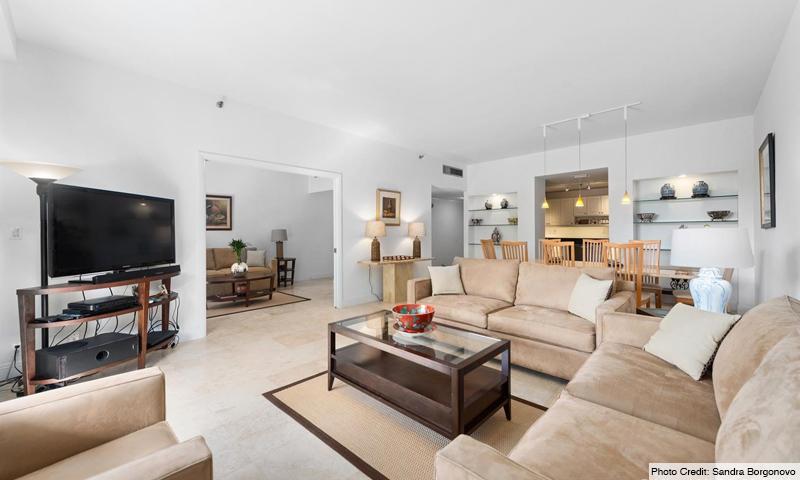 10-Key-Colony-II-OceanSound-Living-Room