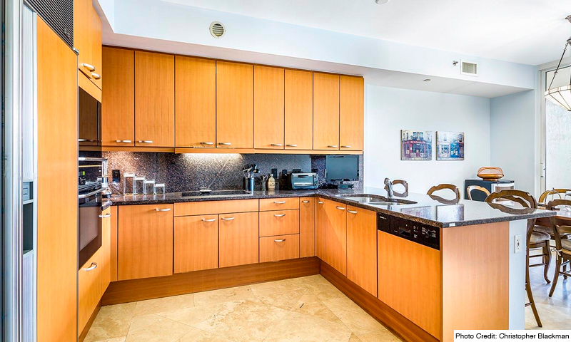 11-Ocean-Club-Ocean-Tower-II-Kitchen