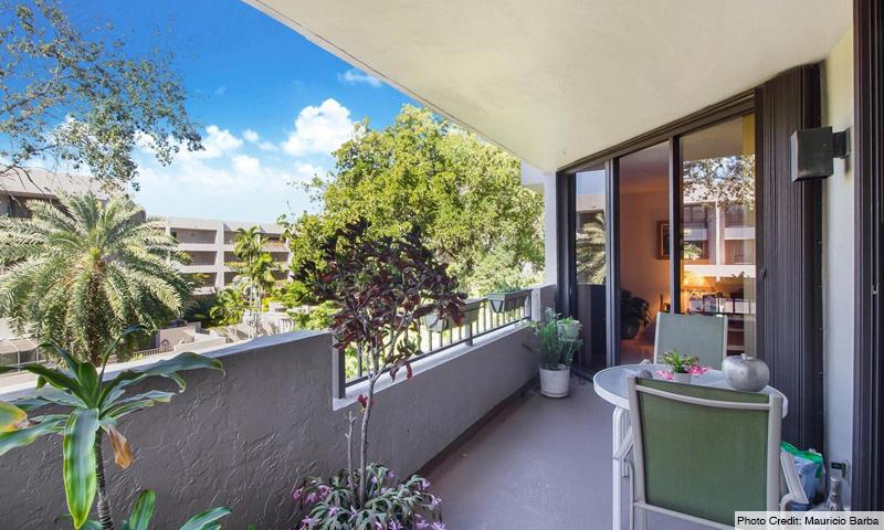 15-Key-Colony-IV-Botanica-Balcony