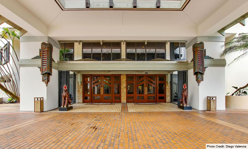 05-Brickell-Key-One-Entrance