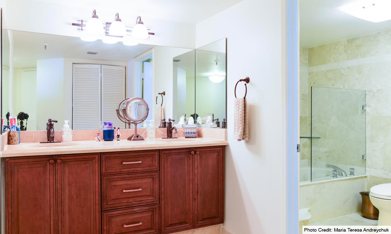 14-Brickell-Key-One-Bathroom