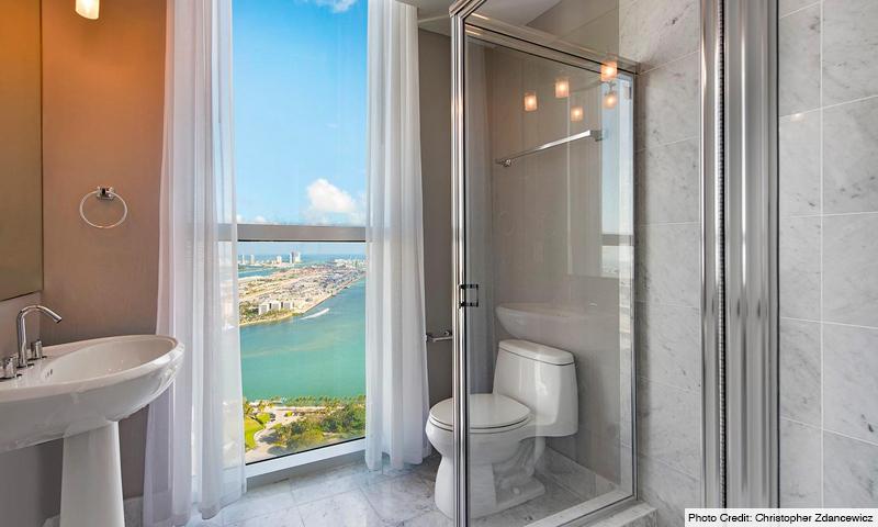 14-Vizcayne-South-Bathroom