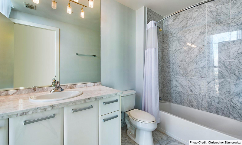 15-Vizcayne-South-Bathroom