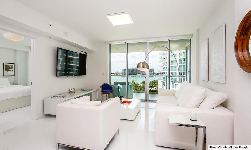 11-Peloro-Living-Room