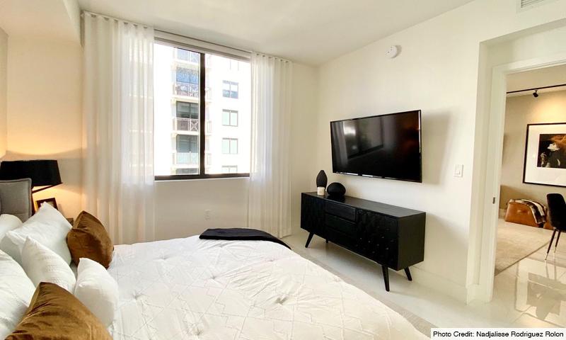 16-Merrick-Manor-Bedroom-2020