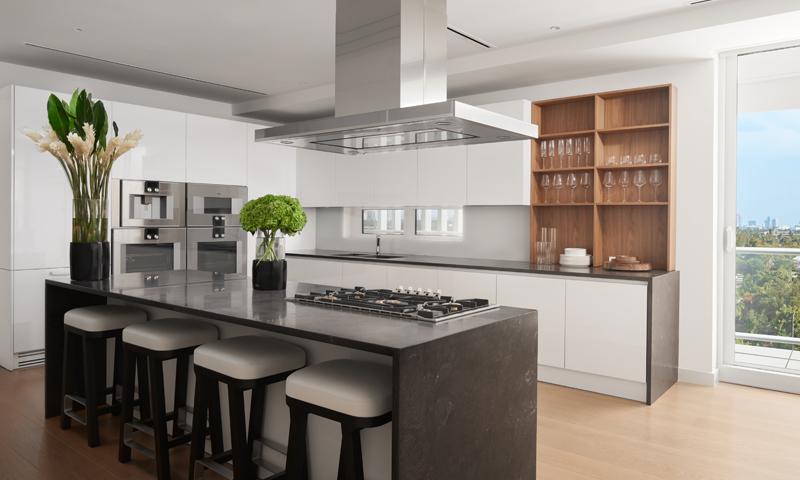 17-Ritz-Carlton-Miami-Beach-Kitchen-2020