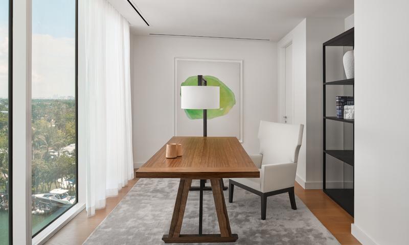 18-Ritz-Carlton-Miami-Beach-Home-Office-2020