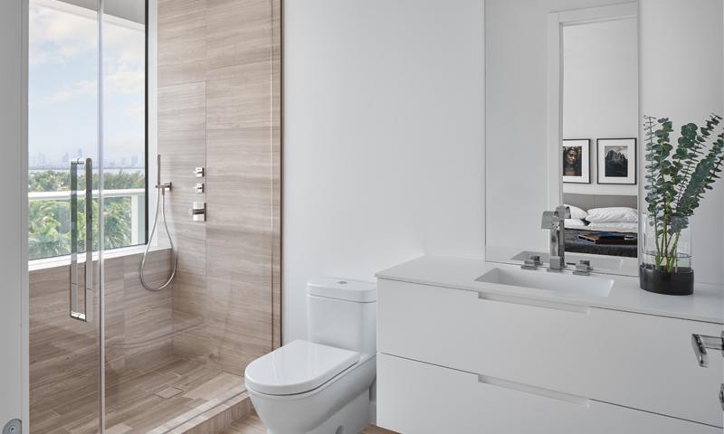 21-Ritz-Carlton-Miami-Beach-Bathroom-2020