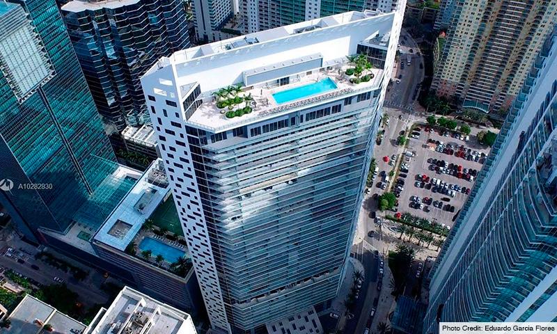 02-Brickell-House-2021-Building