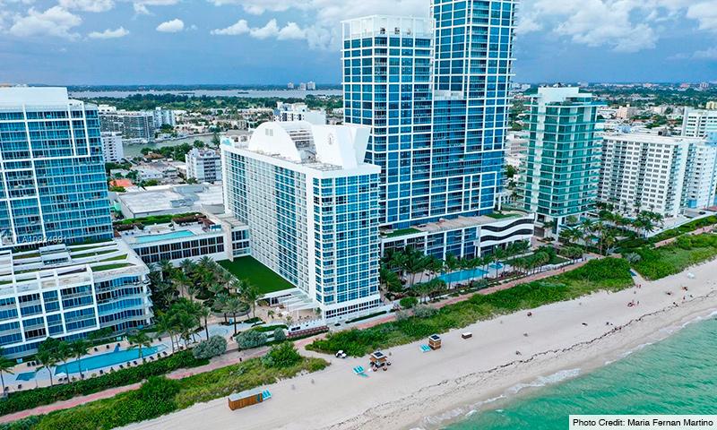02-Carillion-Miami-Beach-2021-Building