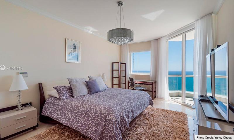 09-Acqualina-2021-Residence