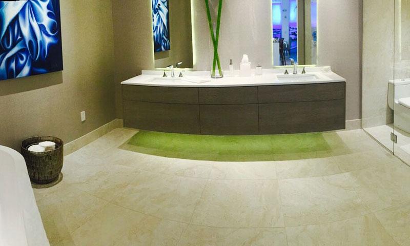 Aria-on-the-Bay-Bathroom