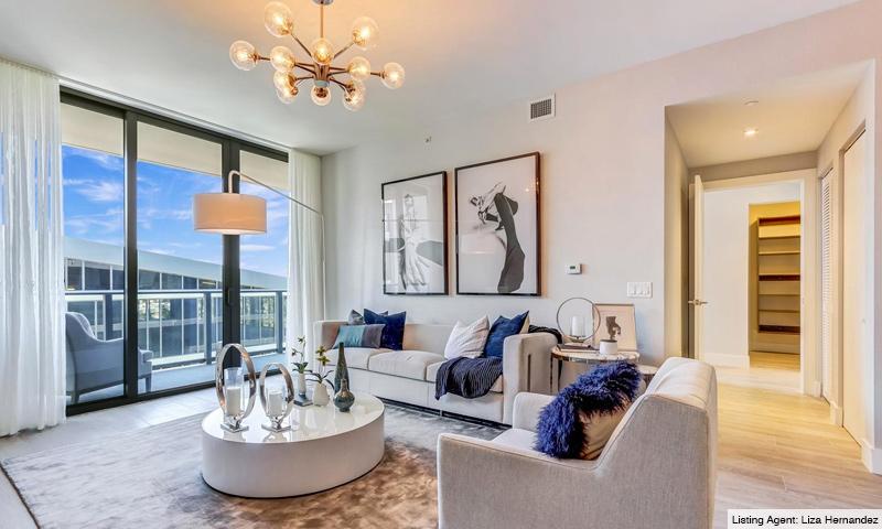 11-Aventura-Park-Square-Living-Room-2019