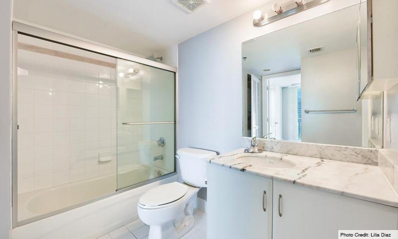 16-Club-at-Brickell-Bay-Bathroom