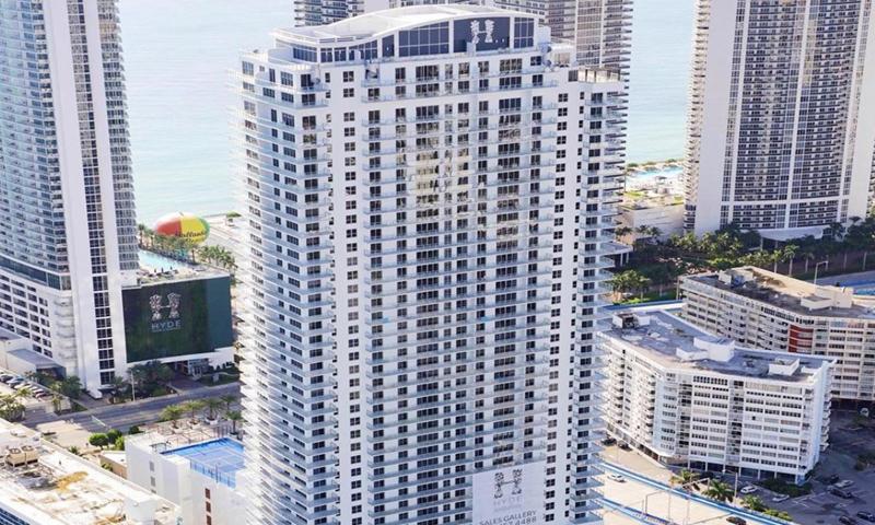 03-Hyde-Beach-House-Building-2019