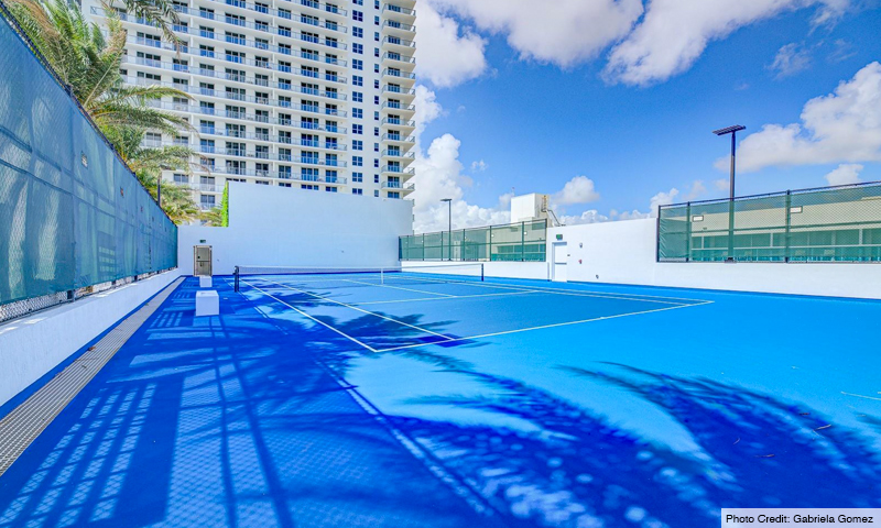 08-Hyde-Beach-House-Tennis-Court-2019