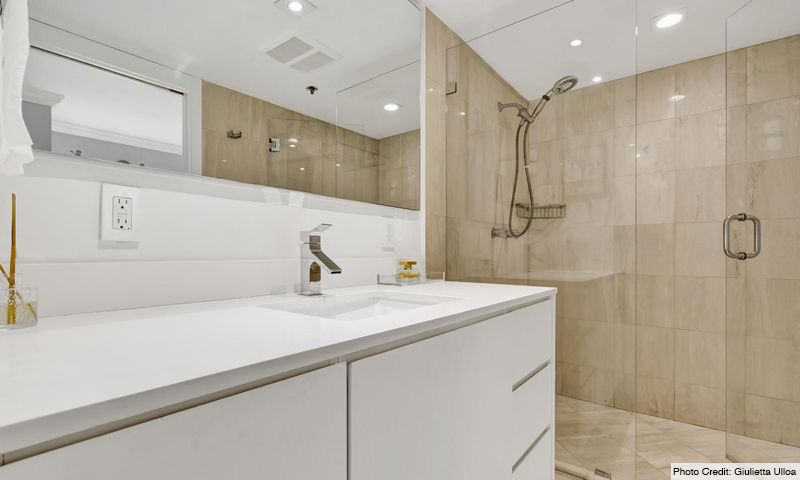 16-Key-Colony-II-OceanSound-Bathroom