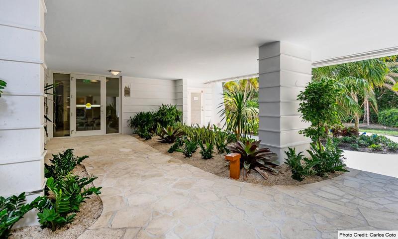 04-Sands-of-Key-Biscayne-Entrance