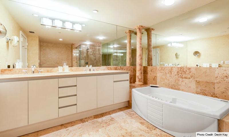 13-Il-Villaggio-Bathroom