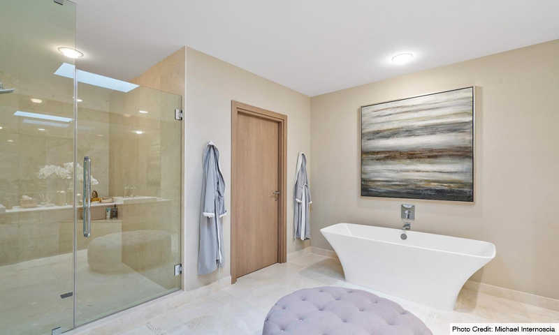 15-Marina-Palms-North-Bathroom