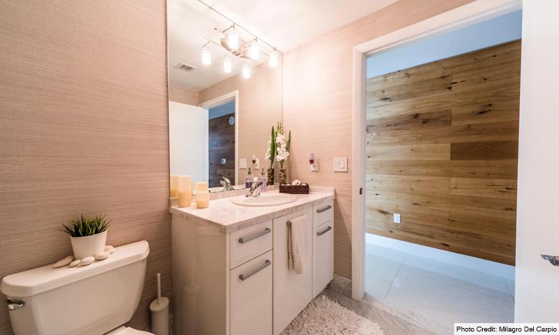 15-Vizcayne-North-Bathroom