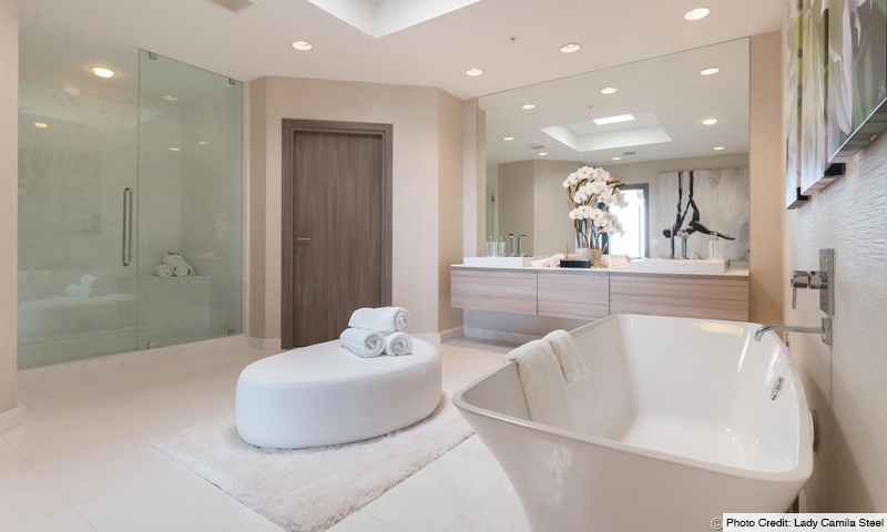 18-Marina-Palms-South-Bathroom