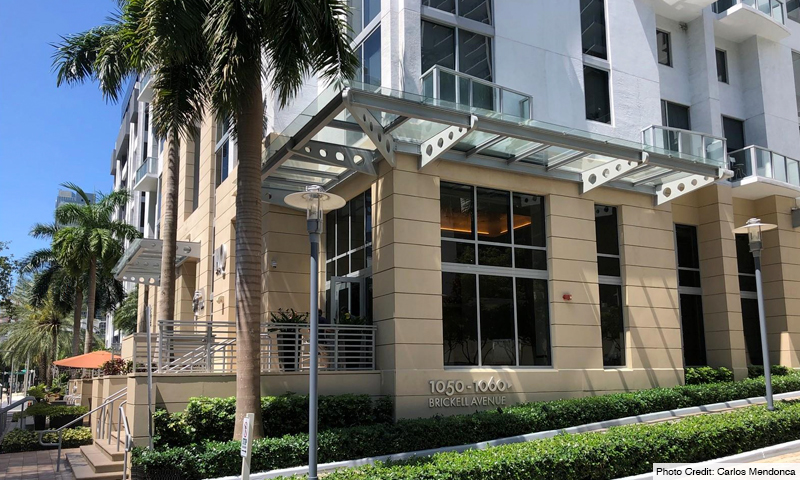03-1060-Brickell-Avenue-East-Entrance