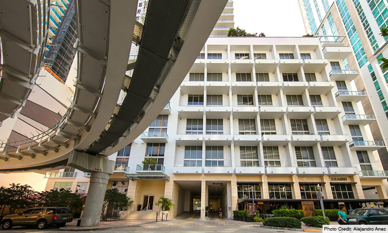 03-1060-Brickell-Avenue-West-Entrance