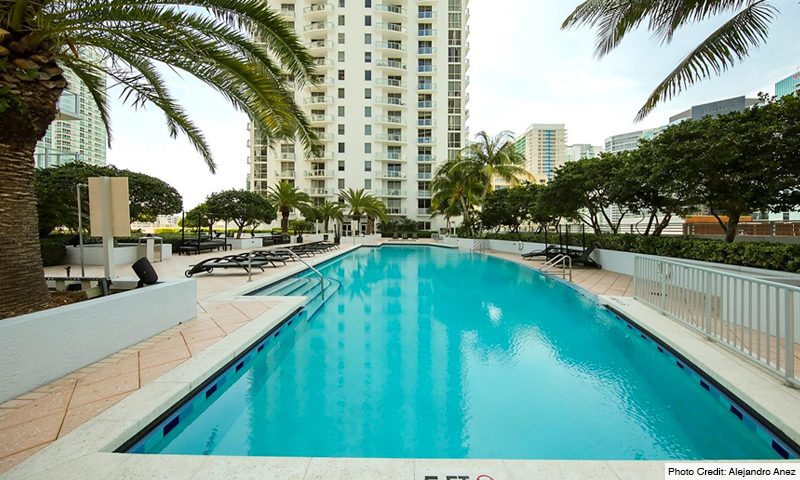 04-1060-Brickell-Avenue-West-Pool