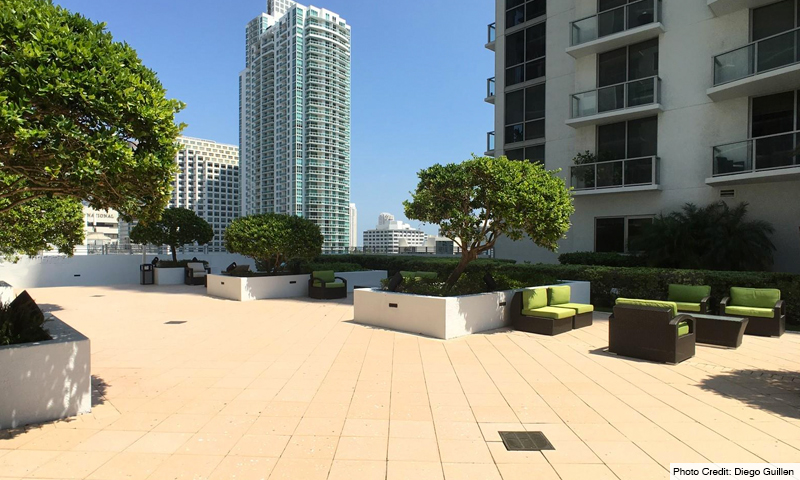 06-1060-Brickell-Avenue-West-Amenities-Terrace