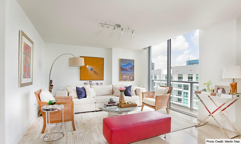 11-1060-Brickell-Avenue-East-Living-Room