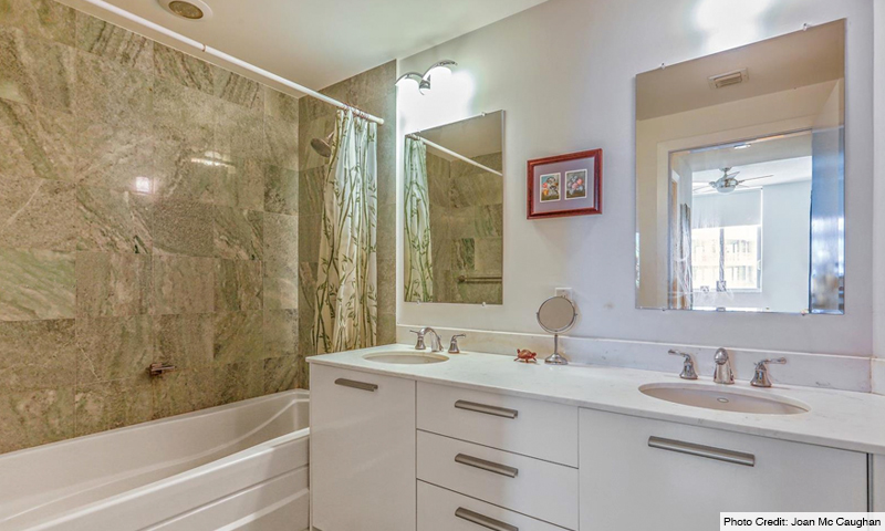 16-1060-Brickell-Avenue-West-Bathroom