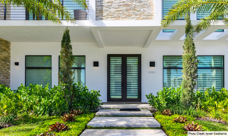 07-Mansions-at-Doral-Entrance-2020