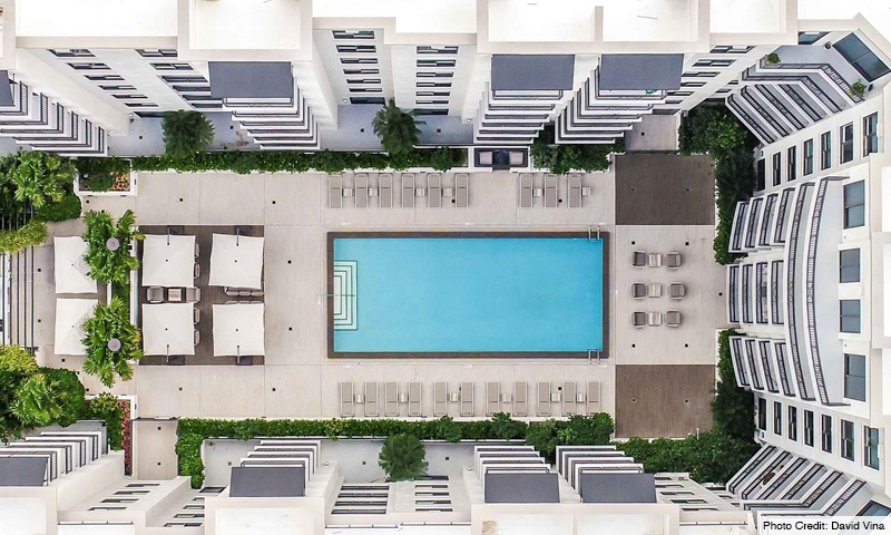 08-Merrick-Manor-Pool-2020