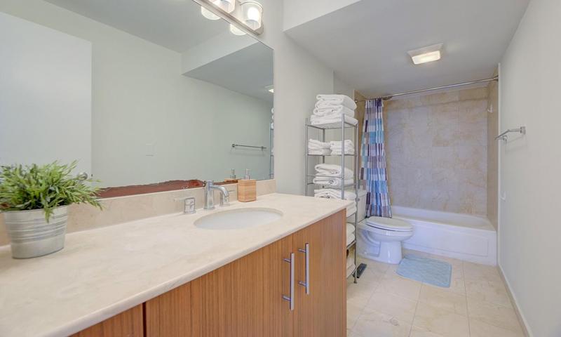 14-Harbour-House-Bathroom-Sept-2020