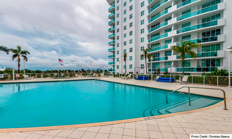 06-360-Condo-West-2021-Residence