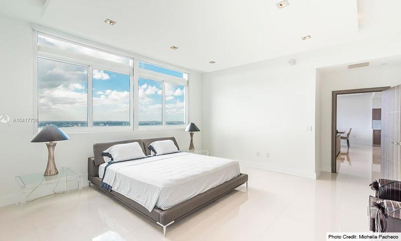 09-1800-Club-2021-Residence