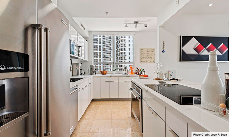 08-Courts-at-Brickell-Key-2021-Residence