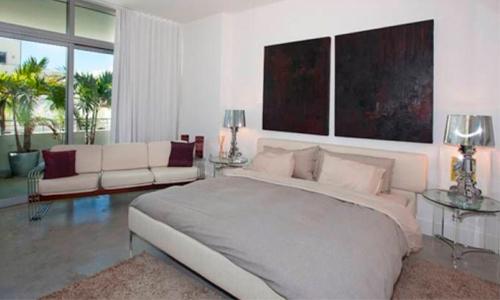 Aqua-Bedroom