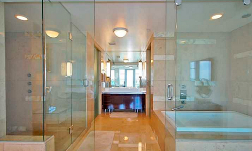 Calypso-at-Caribbean-Bathroom