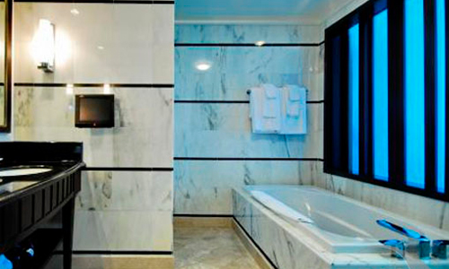 Fontaine-Bleau-III-Bathroom